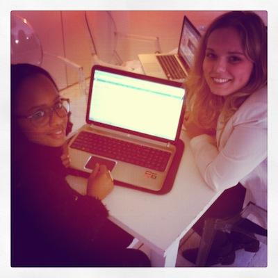 Maroussia en Sascha zijn deze maand begonnen als redactie stagiaires bij CITYMOM en ze gaan als een speer!